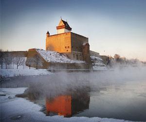 У Нарвского замка в Эстонии прошла ярмарка товаров, сделанных вручную